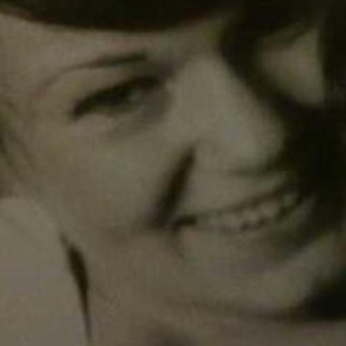 julie Knauf's avatar