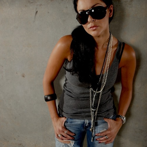 DJ WonderWoman's avatar