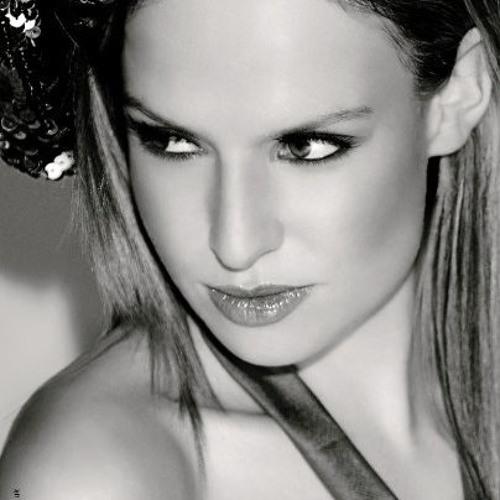 DJ Sarah Louise's avatar