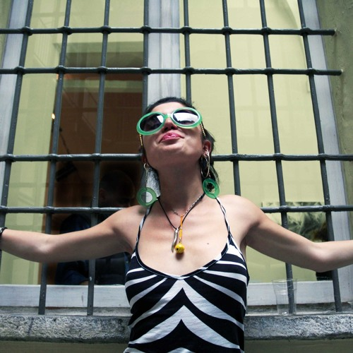vera_the one_'s avatar