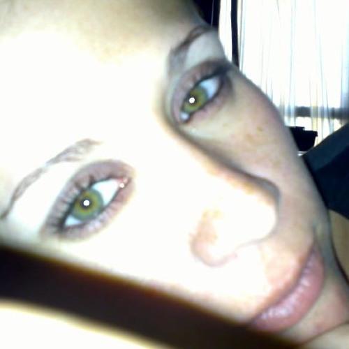 Lizzie Terrazo's avatar