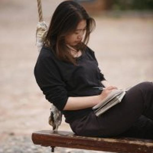 Naomi Lee's avatar