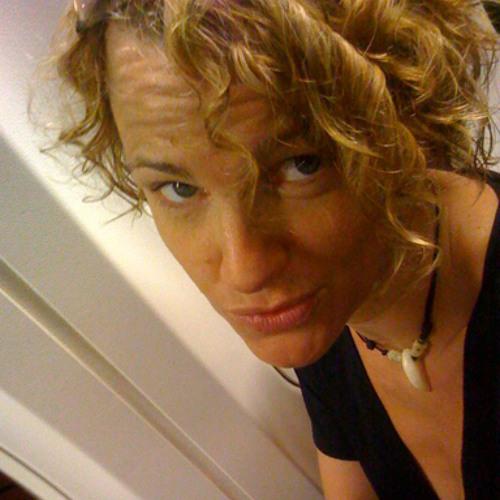 Naomi Tara's avatar
