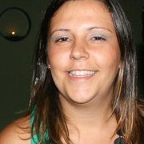 Fernanda Machado's avatar