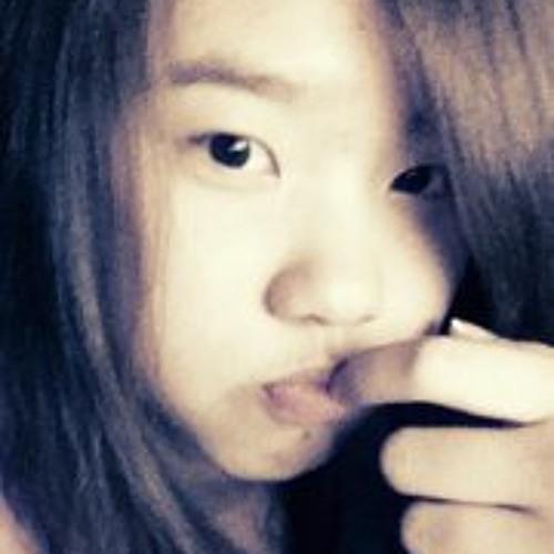 Kitty Chang's avatar