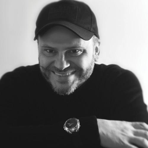 nick z-gibarian's avatar