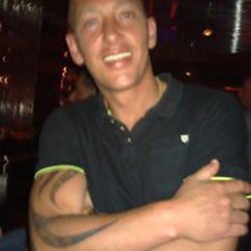 Ferdi Henriques Junior's avatar