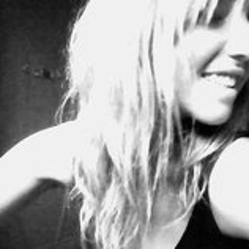 Evelin Zago Zago's avatar