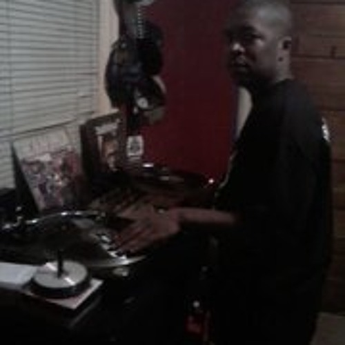 DJ L-BOOGIE's avatar