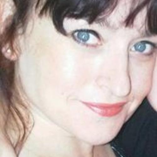 Becky Hewlitt's avatar