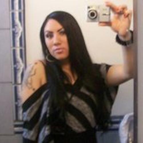 Deanna Monique Navarro's avatar