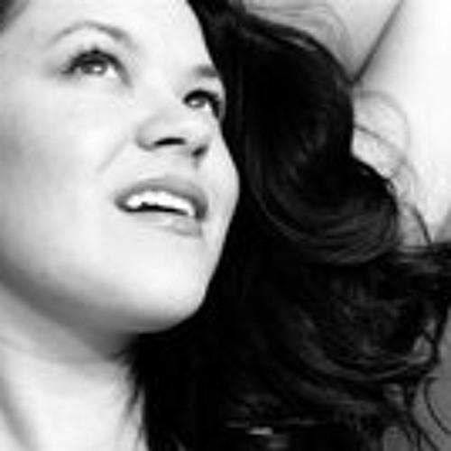 Kristin Zhea's avatar