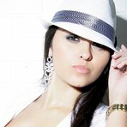 Gabriella França's avatar