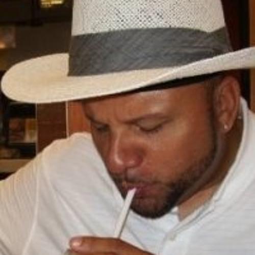 Dario D Molina's avatar
