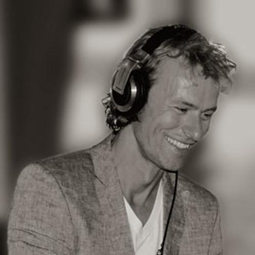 DJ Roomer's avatar
