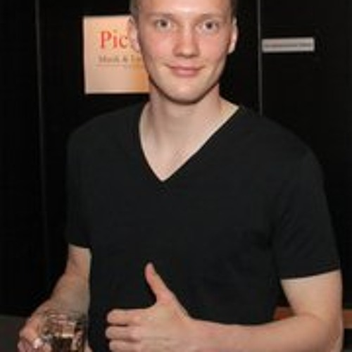 Christian Rwkmp's avatar