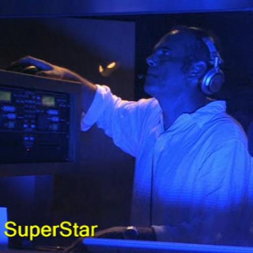 SUPERSTAR DJ's avatar