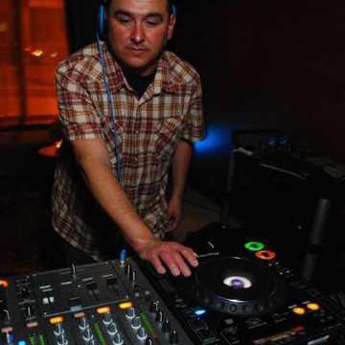 DJ Rich Cabral's avatar