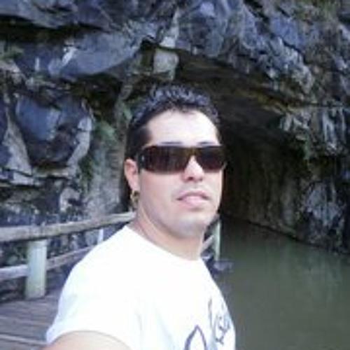 wagner cruz's avatar