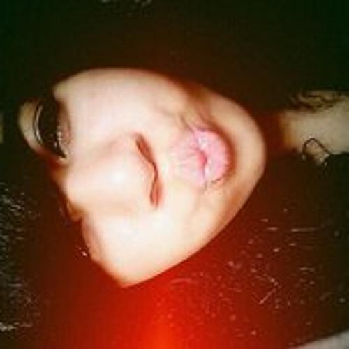 Sharisse Ferrer's avatar