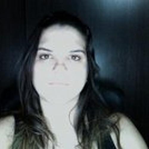 Paula Adelina's avatar