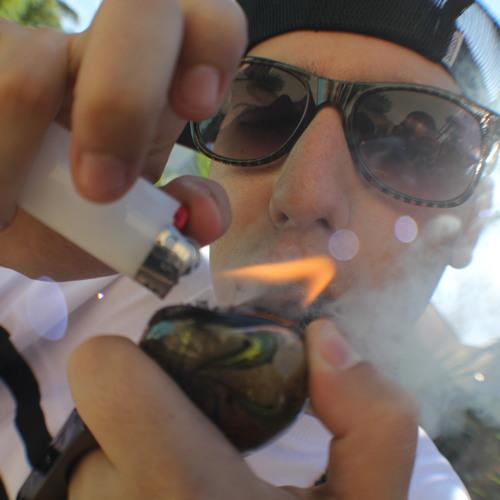 Moon Guy Rich's avatar
