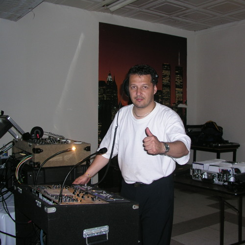 dj sabroso's avatar
