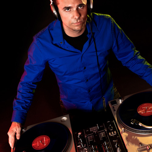 DJ Sheeno's avatar