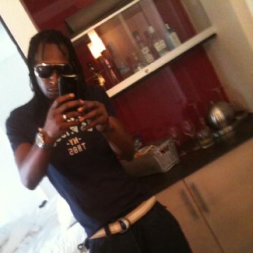 MC MOUSE77's avatar