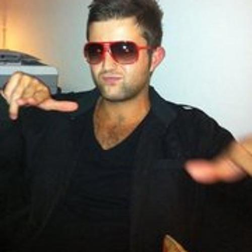 Mike Bear Liall's avatar