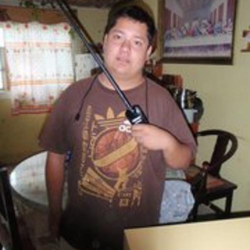Carlos Uriel Estrada's avatar