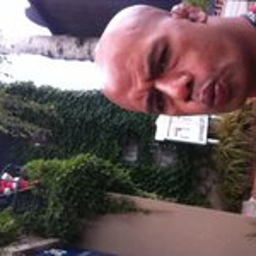 Ronnie Sione's avatar