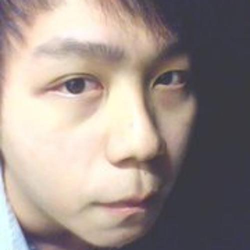 ZhenYe Chong's avatar