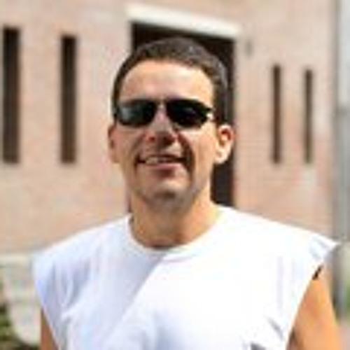 Gustavo Rassi's avatar