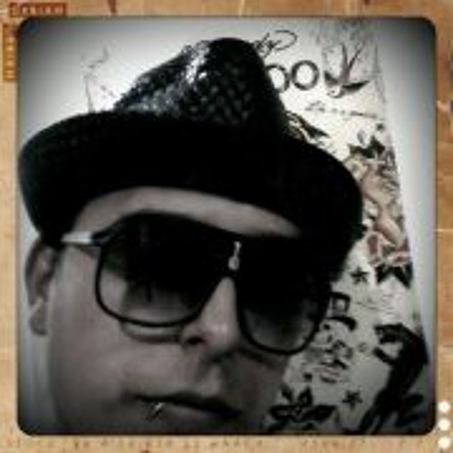 Luis Miguel Velandia's avatar