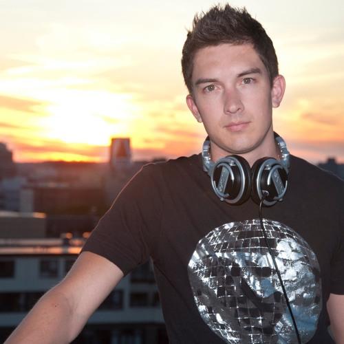 DJ CARDENAS's avatar