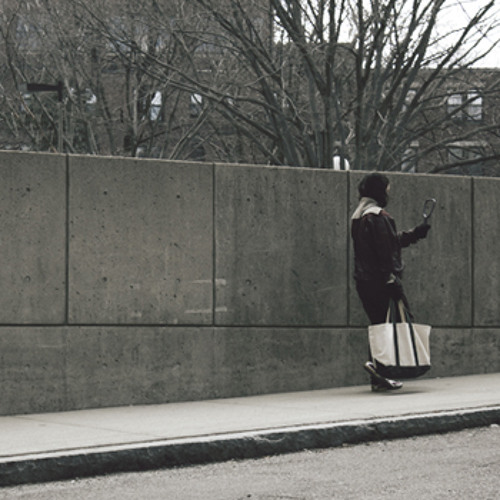 Mirror Lady's avatar