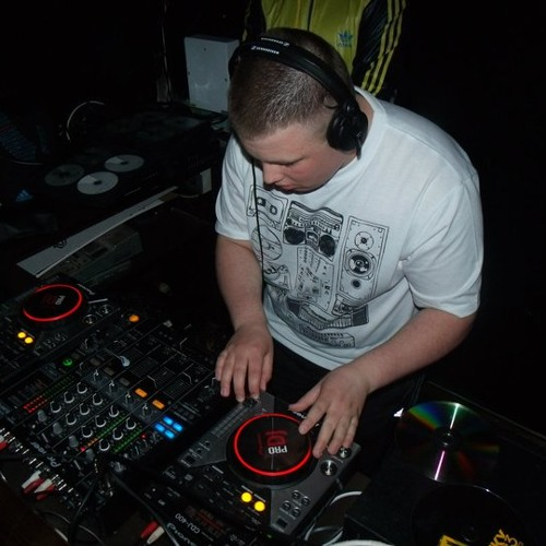 Dj Vision ( Danny Young )'s avatar
