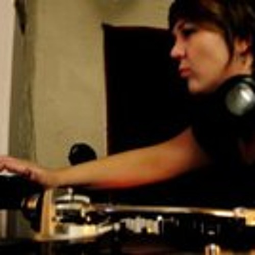 DJKIMSEE's avatar