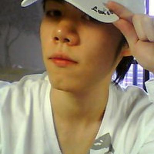 Jonathan Liu's avatar