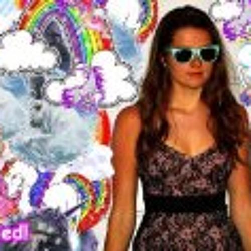 Isabel Calder's avatar