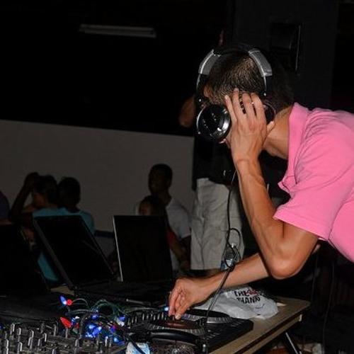 DJ Blazin Asian's avatar