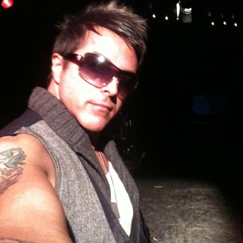 DJ DNicoll's avatar