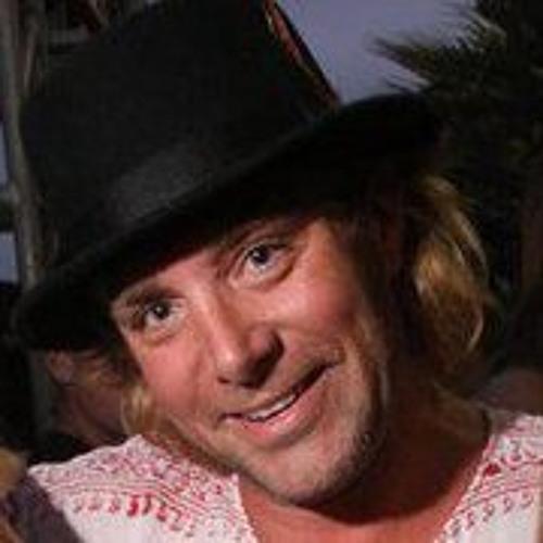 Josh Emery's avatar