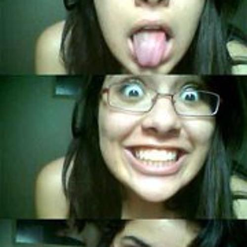 Aline Rabelo's avatar