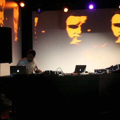 dom dumoulin's avatar