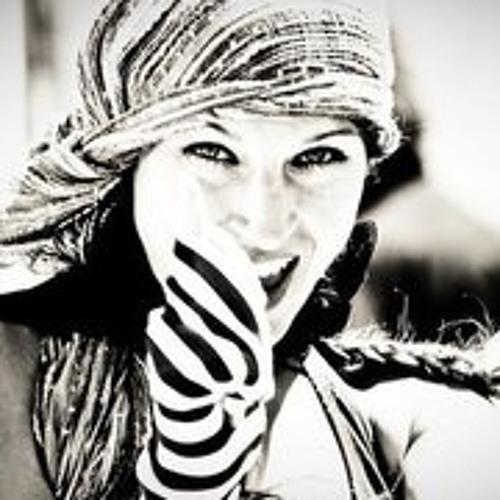 Leilainia Lay Lane Ya's avatar
