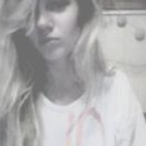 MoniiLove's avatar