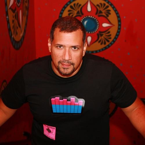 Ralphi Rosario's avatar
