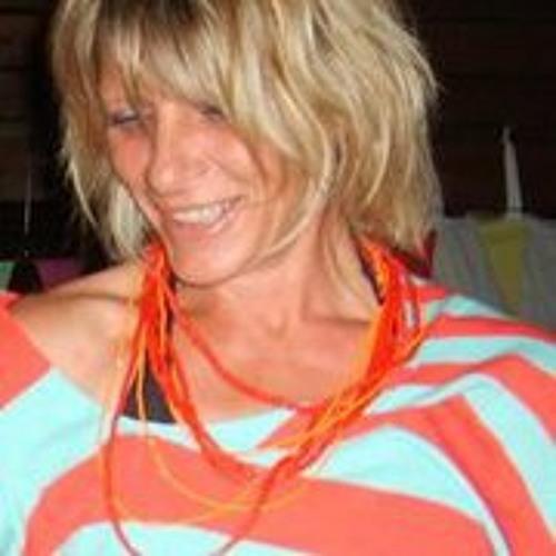 Adele Neil's avatar